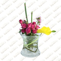 Floating spray rose flower arrangement